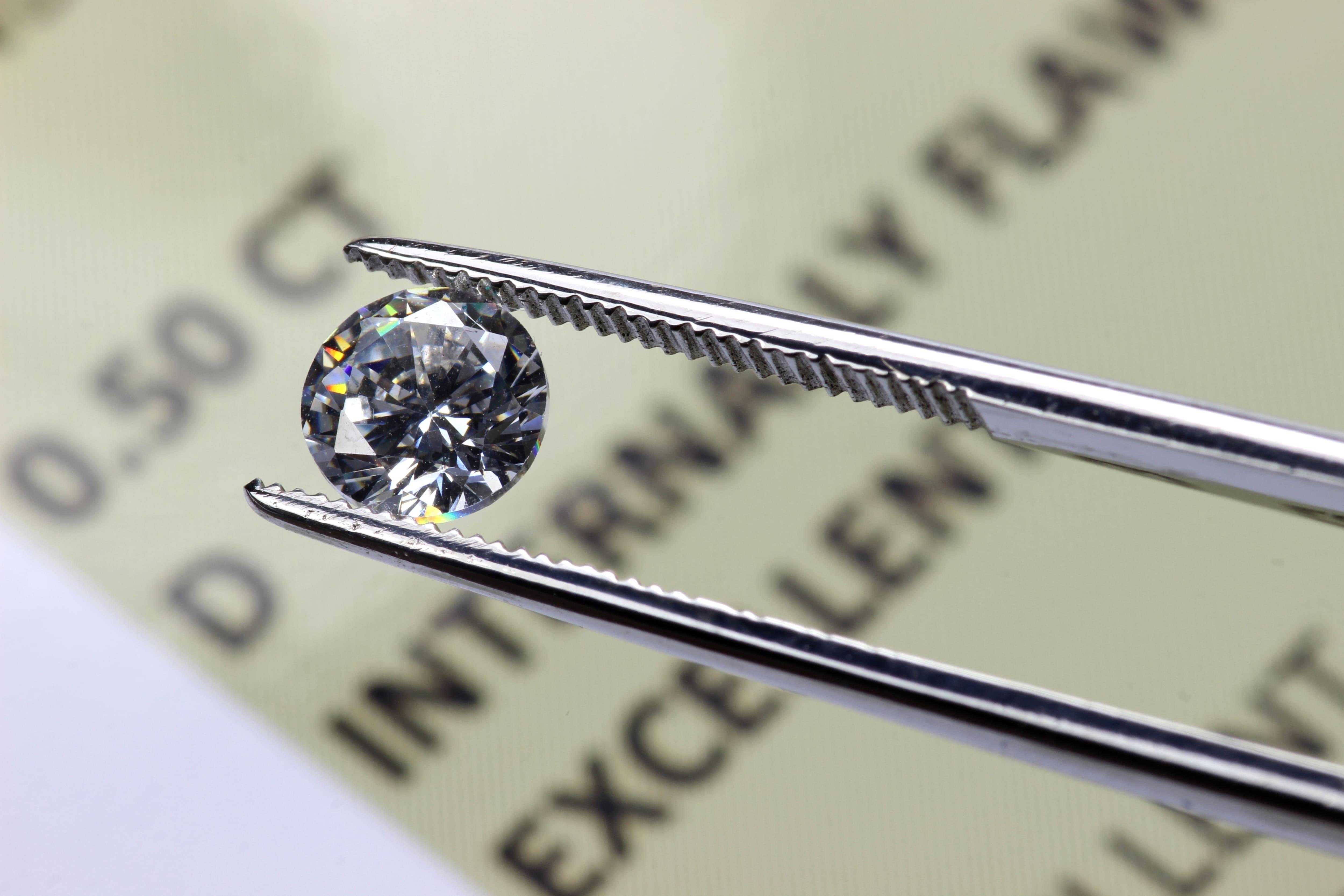 acheter son diamant avec son certificat de qualité