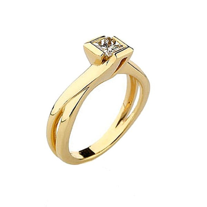 Ring Classics Diamond Gold Princess NOVA