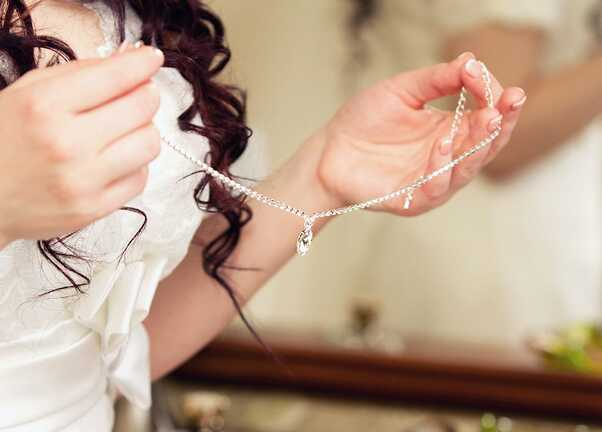 Nettoyage collier diamant