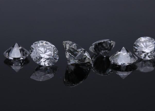Diamant naturel vs synthétique