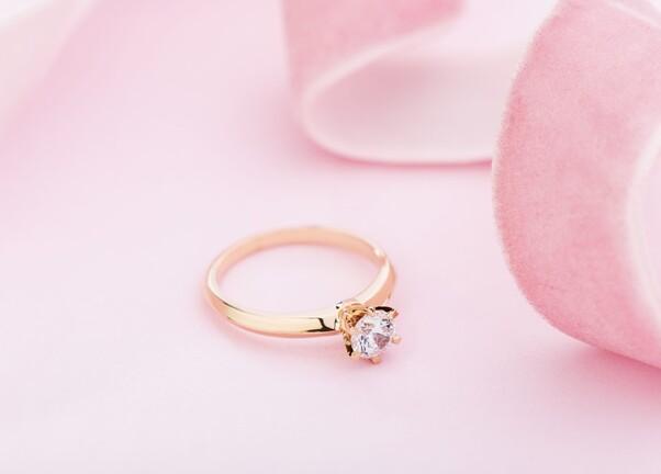 Diamant solitaire or rose